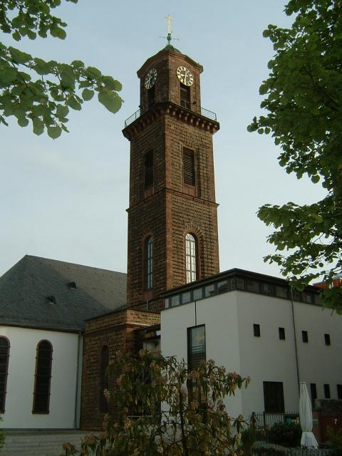 Bild Kirche St. Jakob und Neubau Gemeindehaus  Frankfurt am Main