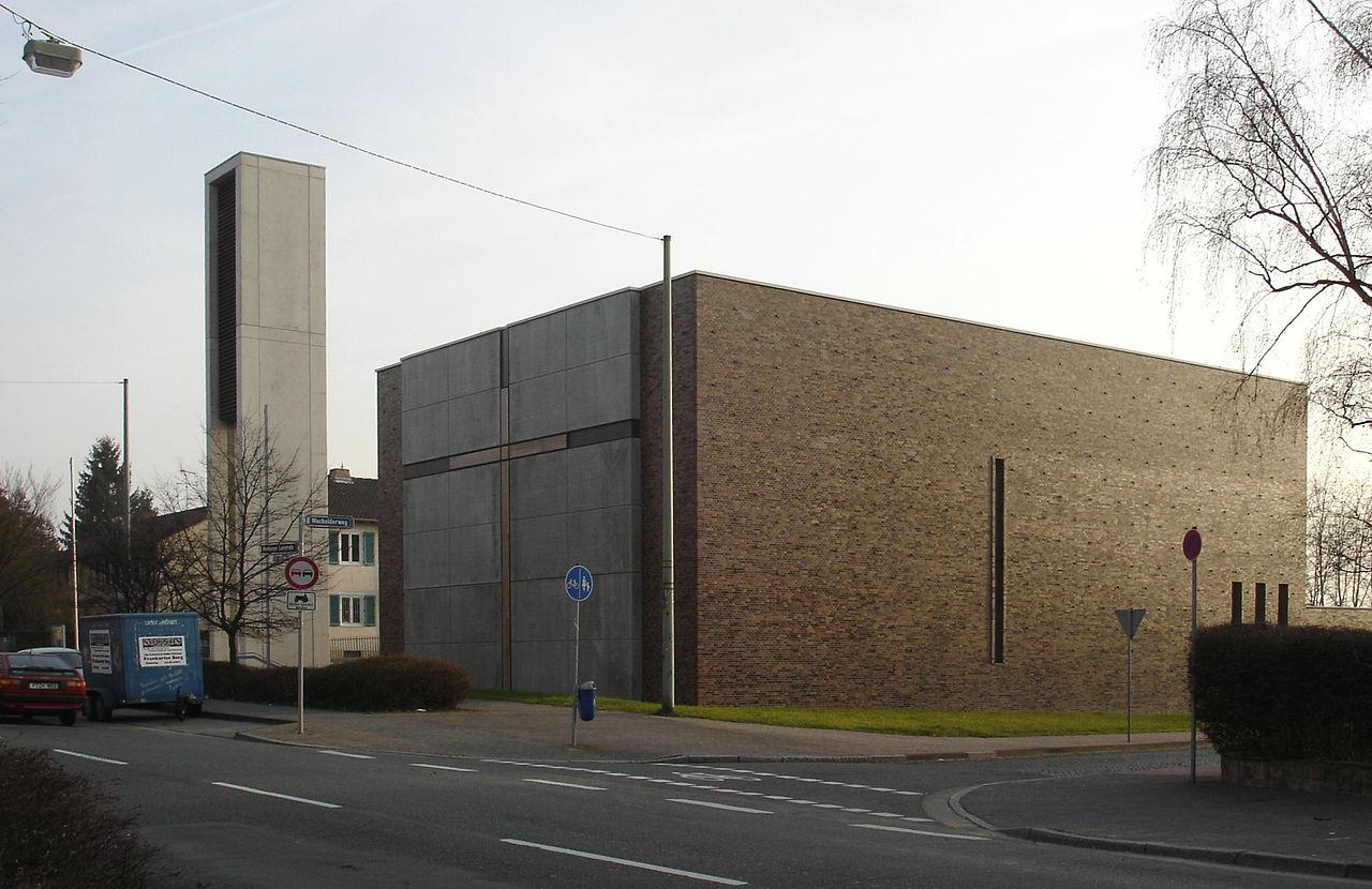 Bild Kirche und Gemeindezentrum Allerheiligste Dreifaltigkeit Frankfurt am Main