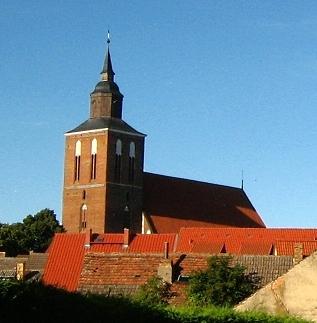 Bild St. Petri Kirche Altentreptow
