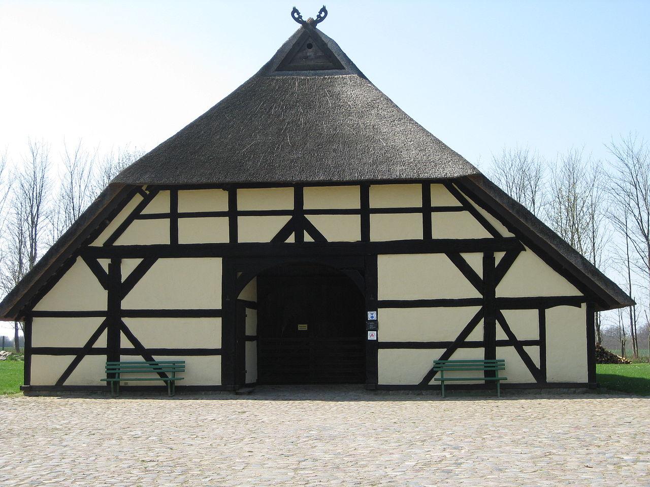 Bild Denkmalhof Bechelsdorfer Schulzenhaus