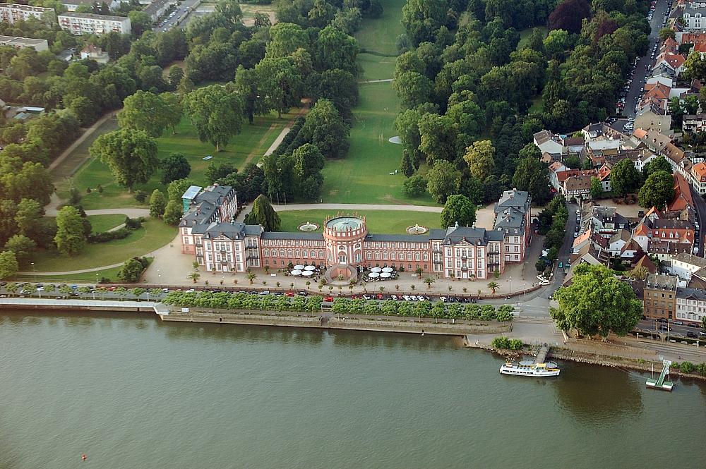 Bild Schloss Biebrich Wiesbaden
