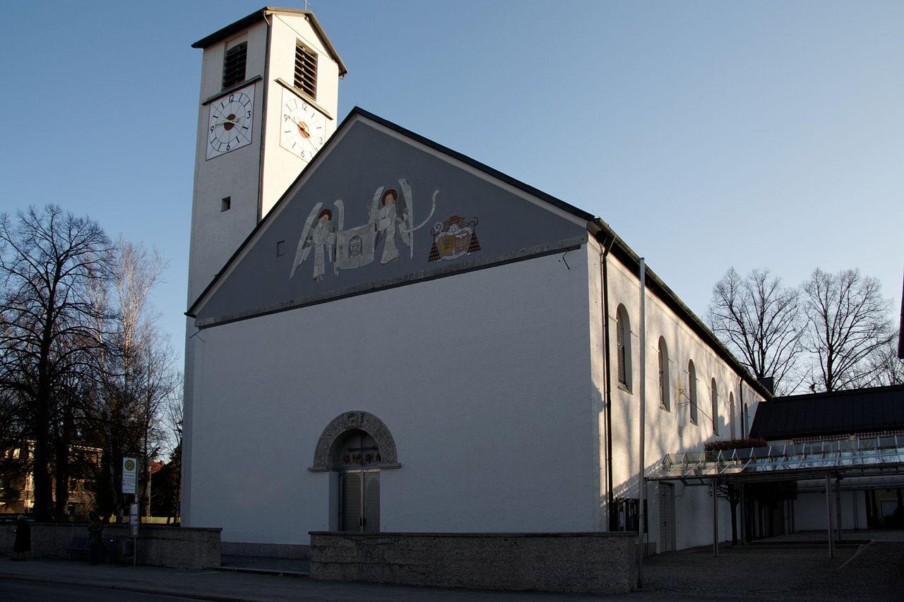 Bild Kirche Heiliges Blut München Bogenhausen