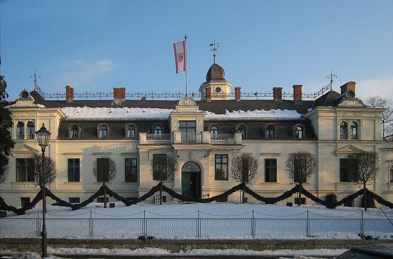 Bild Herrenhaus Berlin Britz