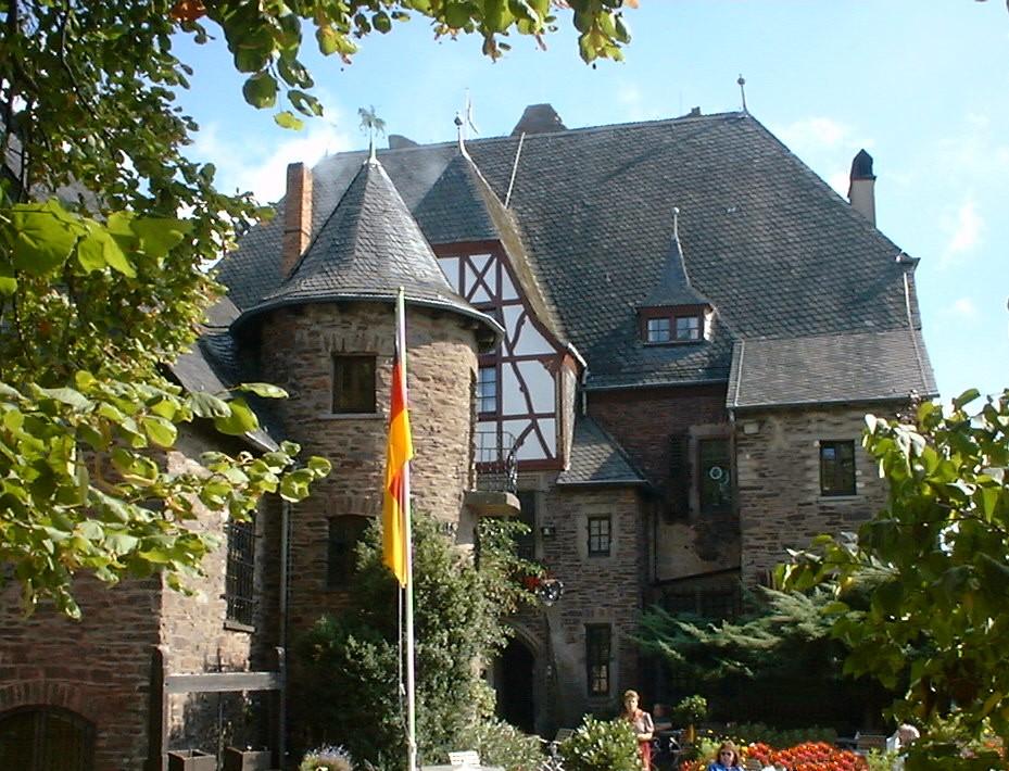 Bild Burg Arras Alf
