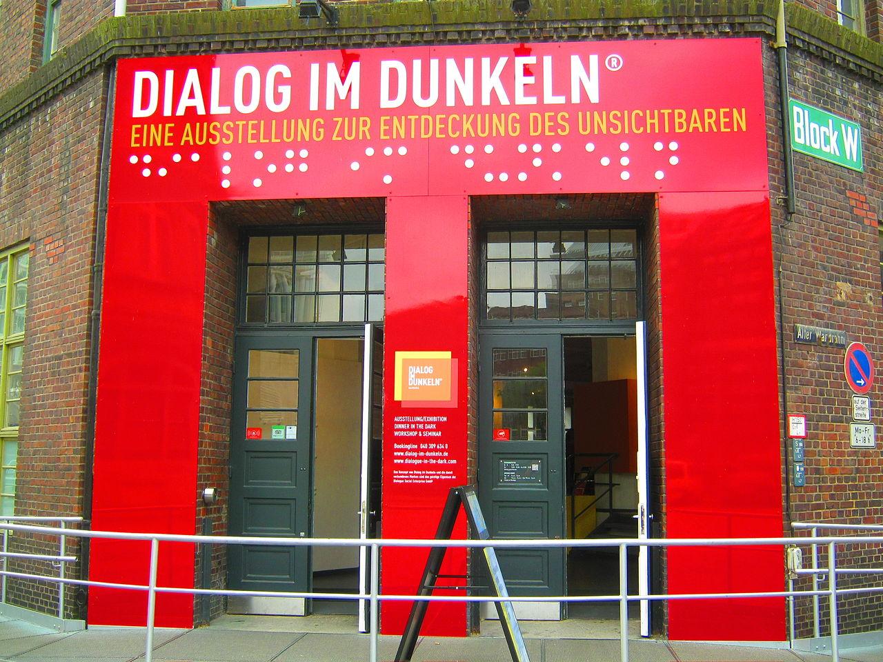 Bild Dialog im Dunkeln Hamburg