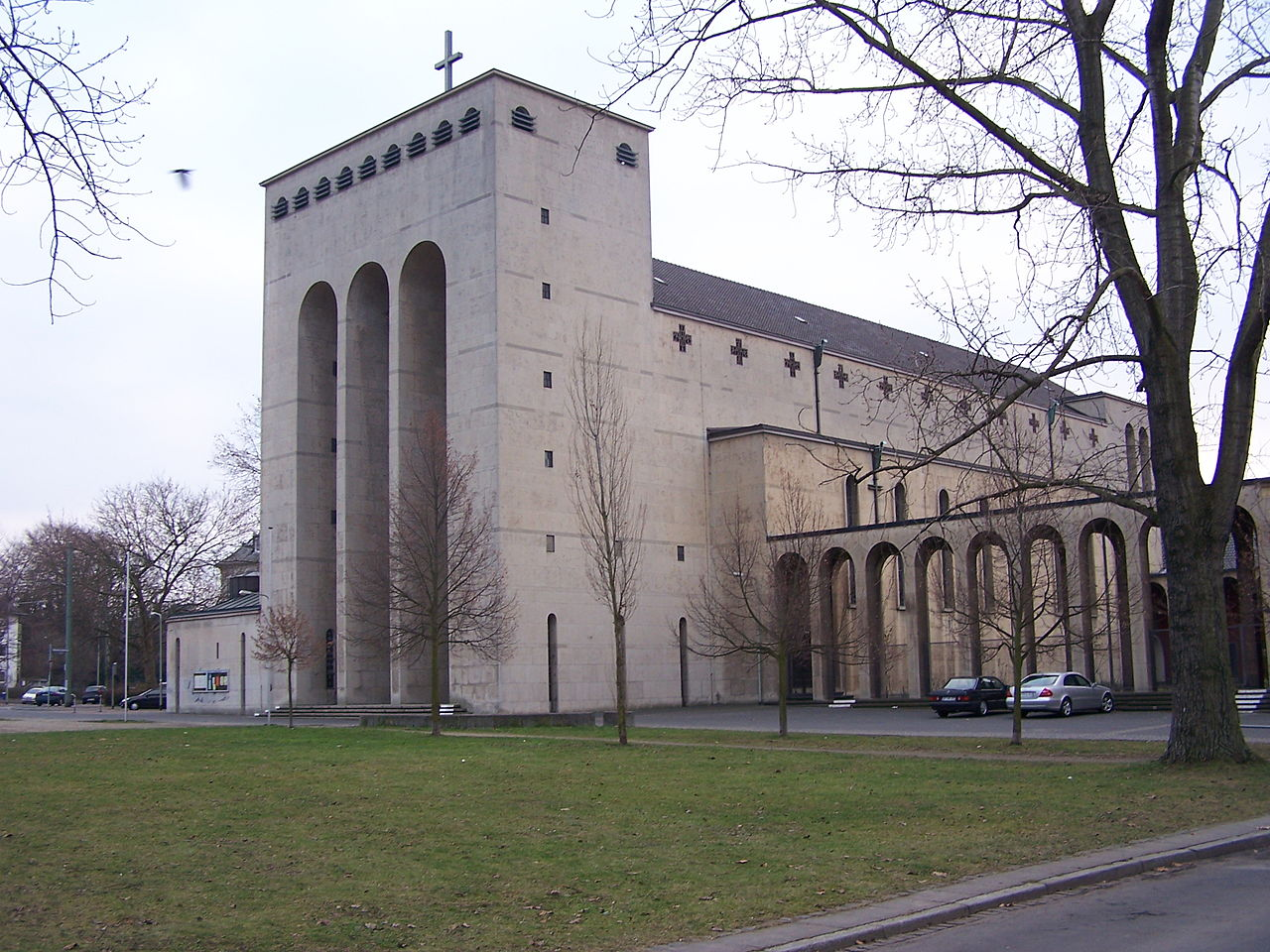 Bild Frauenfriedenskirche Frankfurt Bockenheim