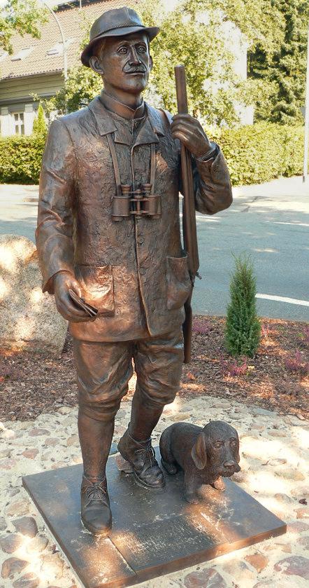 Bild Hermann Löns Statue Walsrode