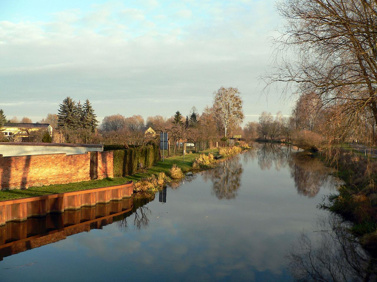 Bild Bootsfahrt auf den Finowkanal Eberswalde