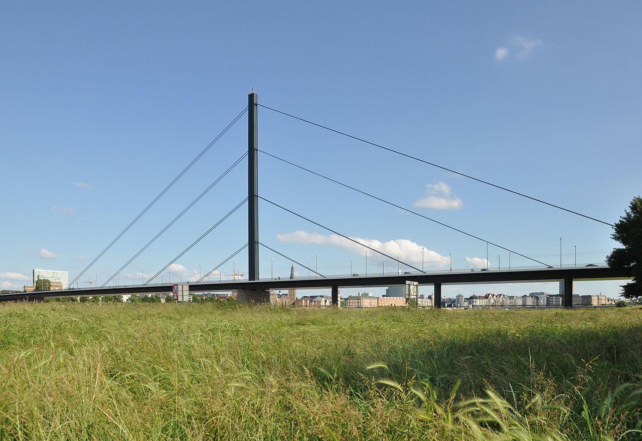 Bild Oberkasseler Brücke Düsseldorf