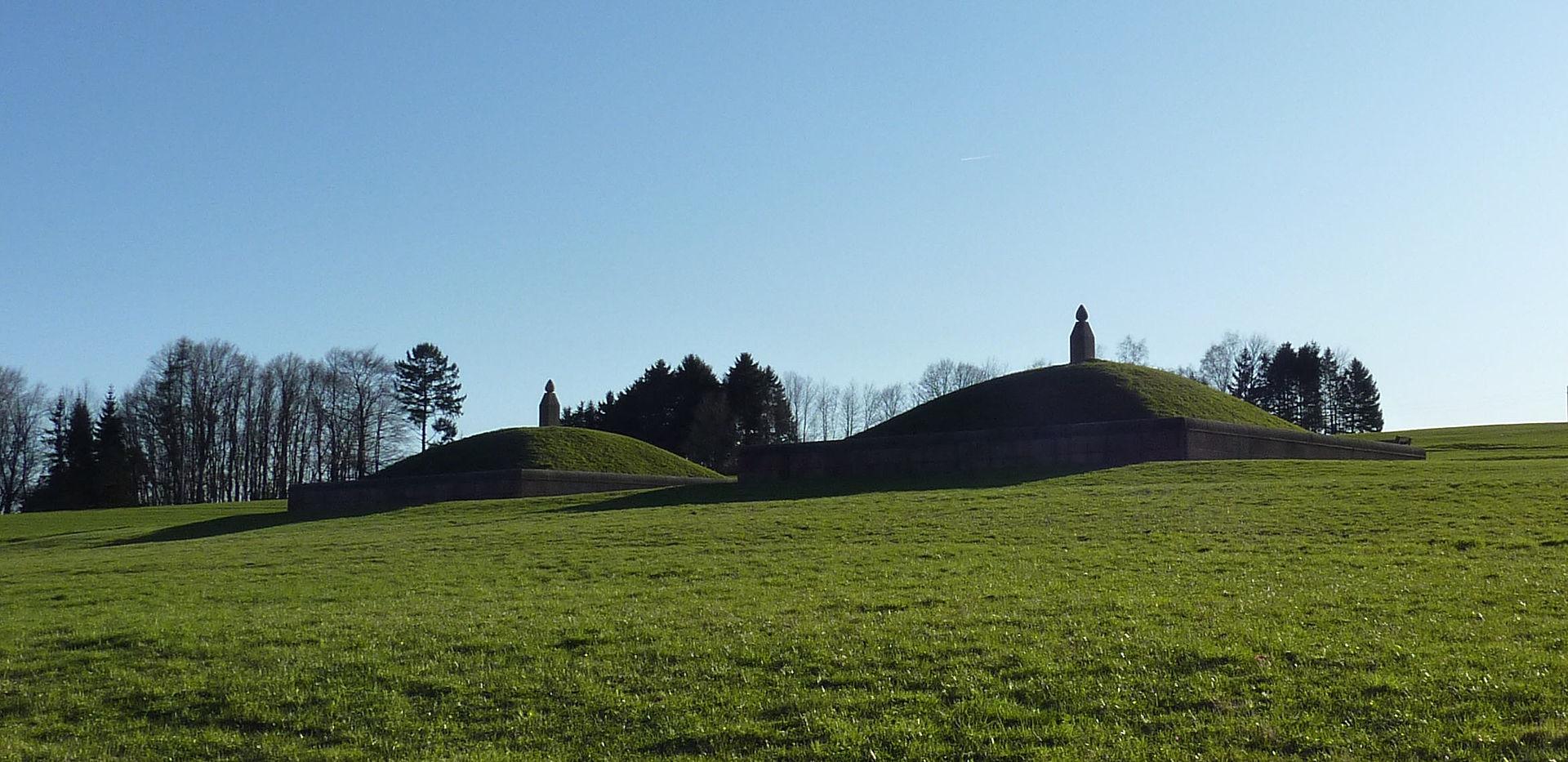 Bild Monumentale Grabhügel Oberlöstern