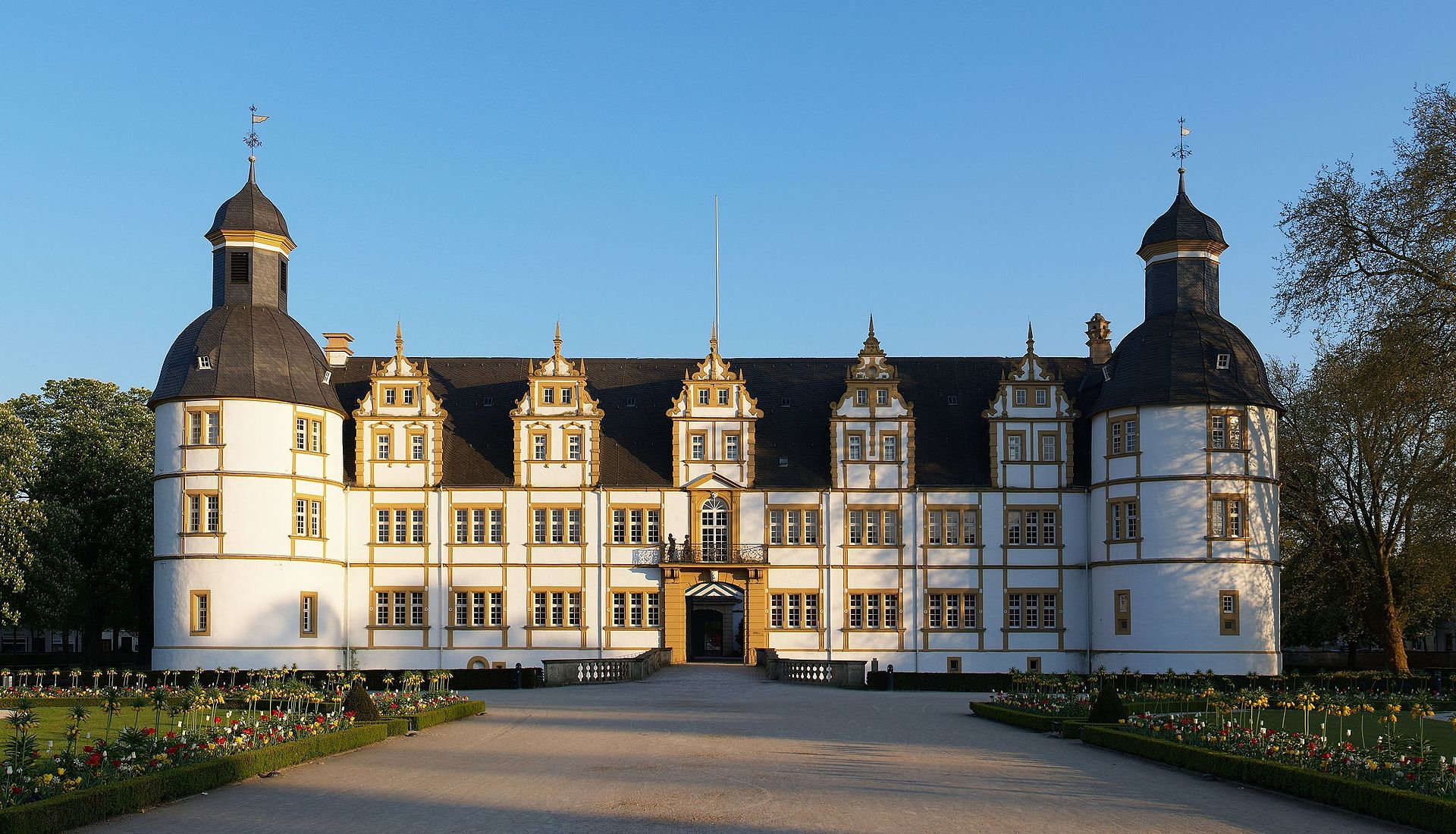 Bild Schloss Neuhaus Paderborn