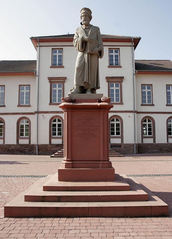Bild Schöffer Denkmal Gernsheim
