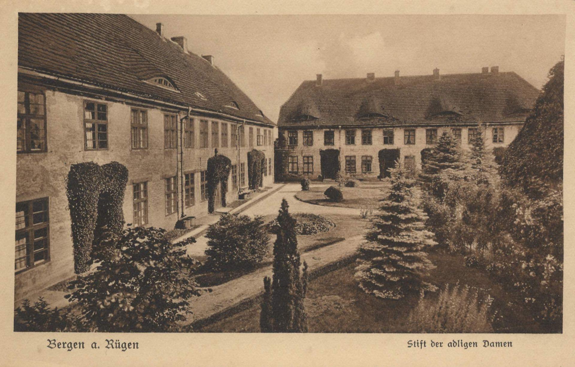 Bild Historischer Klosterhof Bergen auf Rügen