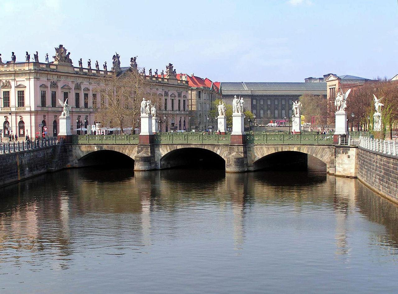 Bild Schlossbrücke Berlin