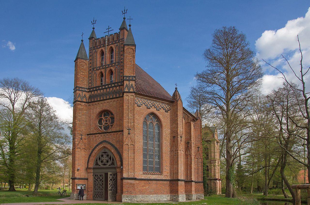 Bild Kirche St. Helena und Andreas Ludwigslust