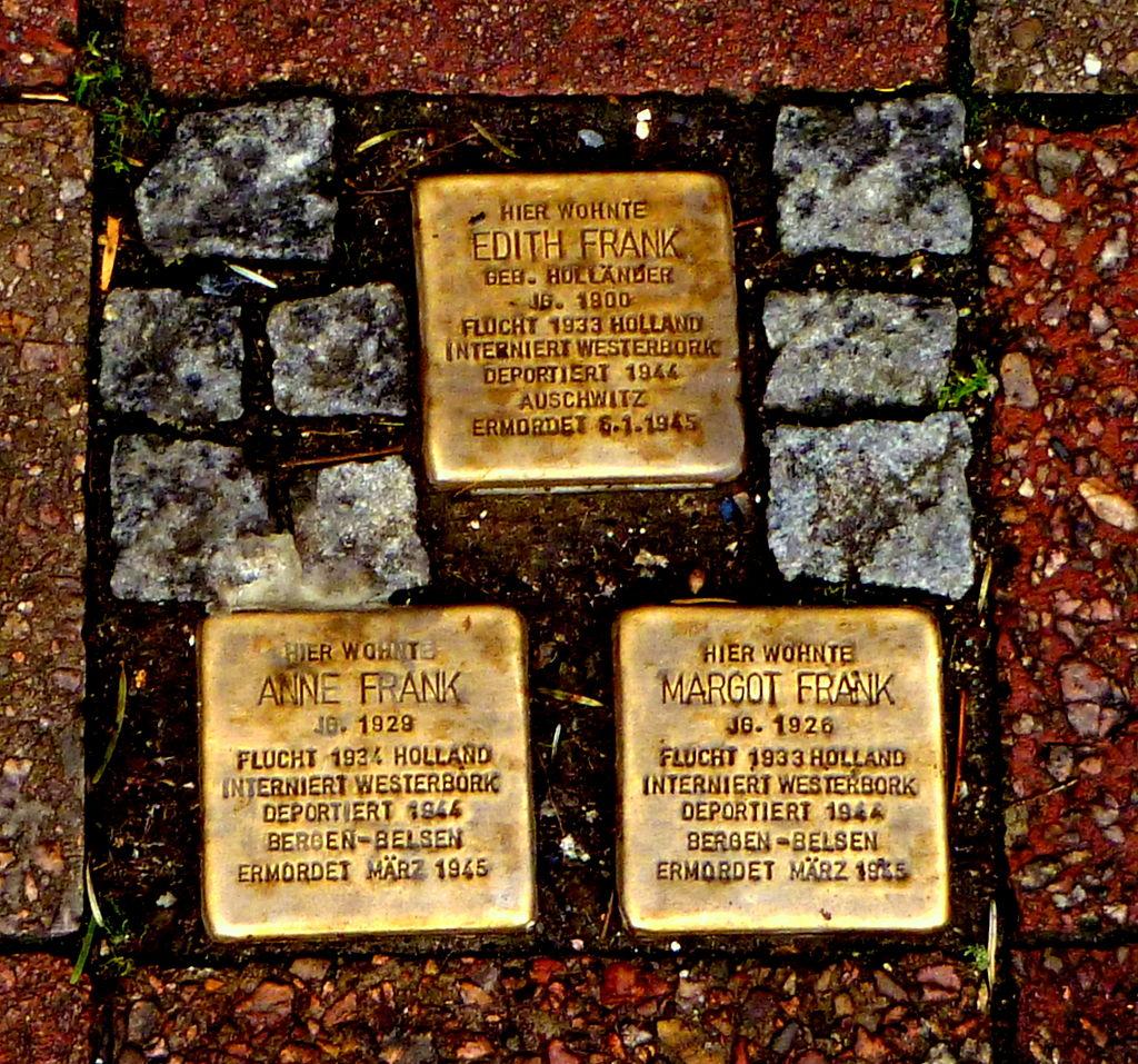 Bild Stolpersteine für die Familie Frank in Aachen