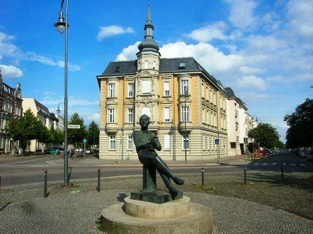 Bild Kurt Weill Denkmal Dessau