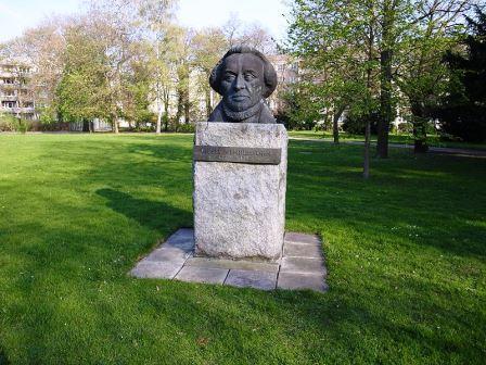 Bild Moses Mendelssohn Denkmal Dessau