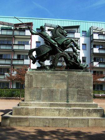 Bild St. Georg Denkmal Eisenach