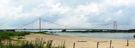 Bild Rheinbrücke Emmerich