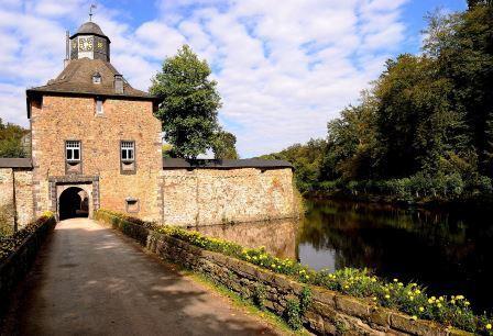Bild Schloss Crottorf Kirchen