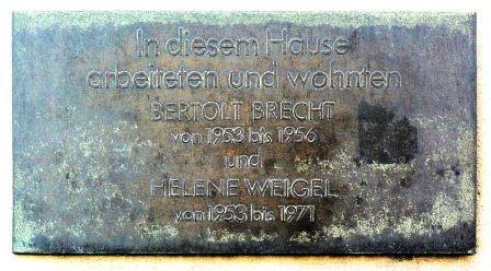 Bild Brecht Gedenktafel Berlin Mitte
