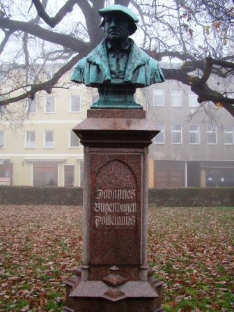 Bild Bugenhagen Denkmal Wittenberg