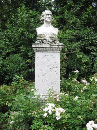 Bild Mörike Denkmal Stuttgart
