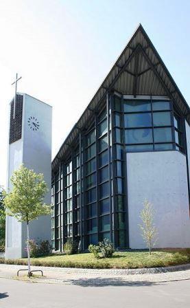 Bild Heilig Kreuz Kirche im Sommerrain Bad Cannstatt